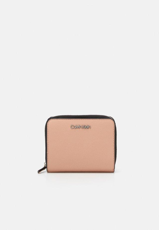 WALLET FLAP  - Peněženka - pink
