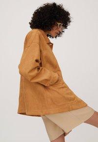 PULL&BEAR - Summer jacket - brown - 3