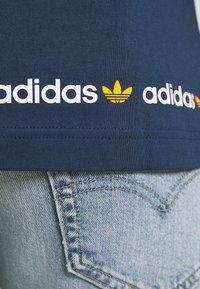 adidas Originals - LINEAR REPEAT ORIGINALS LONG SLEEVE - Long sleeved top - crew navy - 4