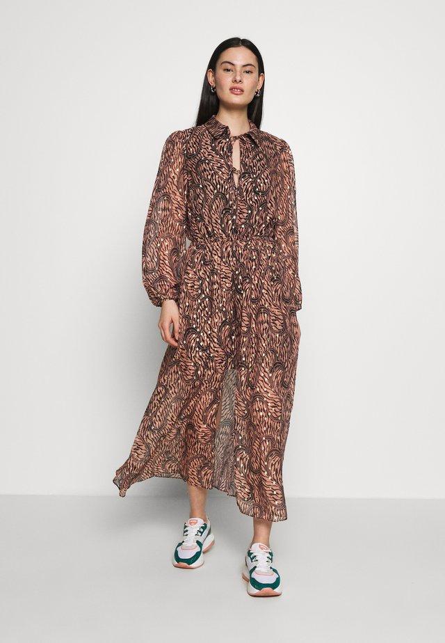 BRAZIL DRESS - Denní šaty - geo swirl