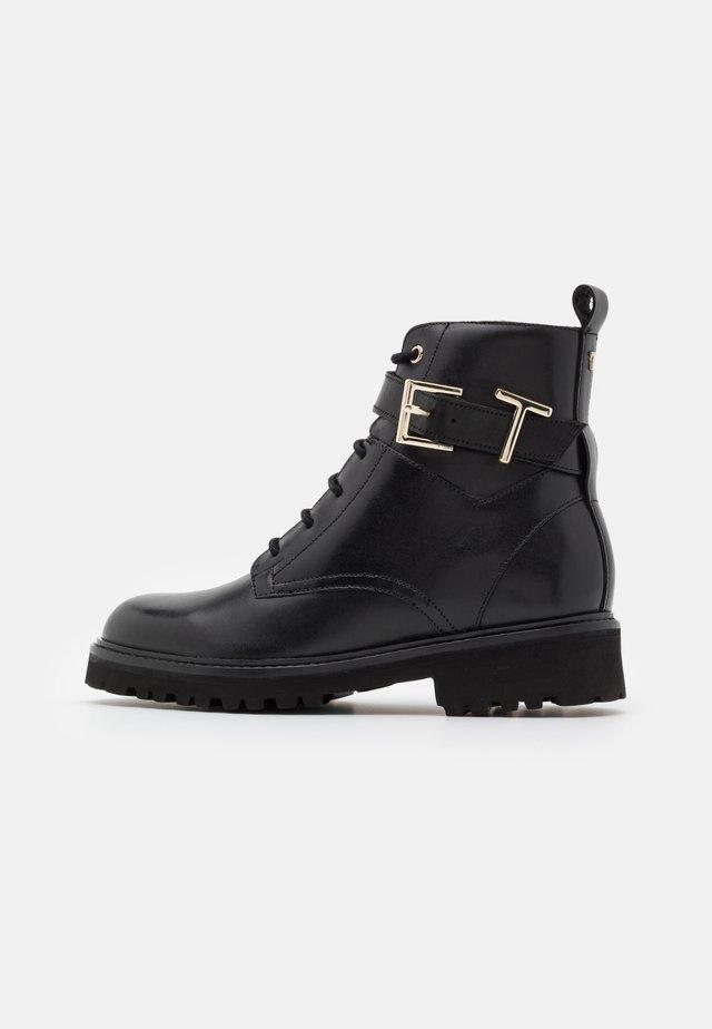 RAIGN - Šněrovací kotníkové boty - black