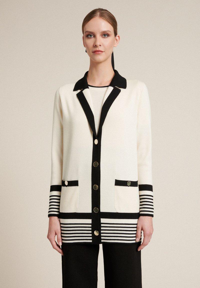 Luisa Spagnoli - Short coat - panna/nero