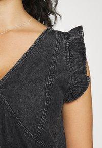 Pieces Curve - PCLUA MINI DRESS - Dongerikjole - black - 4