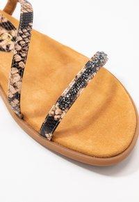 Unisa - CLARIS - Sandals - sun tan - 2