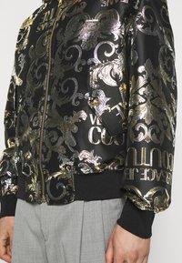 Versace Jeans Couture - BROCCATO LOGO BAROQUE  - Bomber Jacket - black - 4
