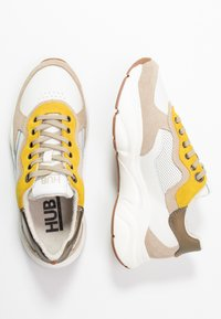 HUB - ROCK - Trainers - offwhite/taupe/lite gum - 3