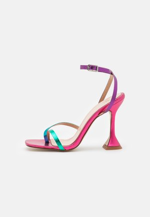 TREVIAH - T-bar sandals - pink