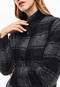 s.Oliver - MANTEL - Classic coat - navy check - 4