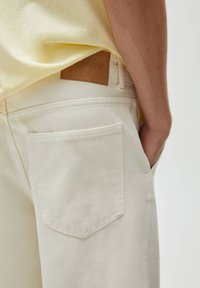 PULL&BEAR - Shorts - mottled beige - 5