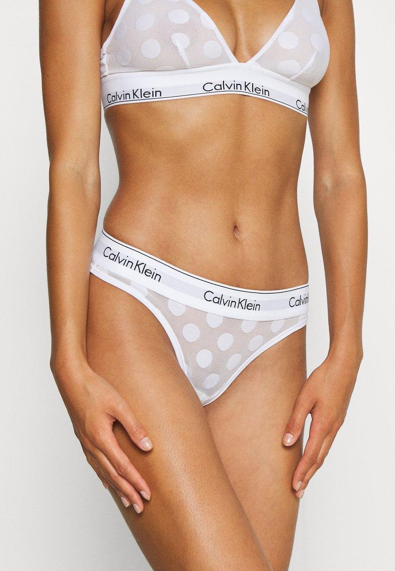 Calvin Klein Underwear - MODERN DOT THONG - Thong - white