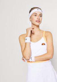 Ellesse - CHICHI - Sports dress - white - 3