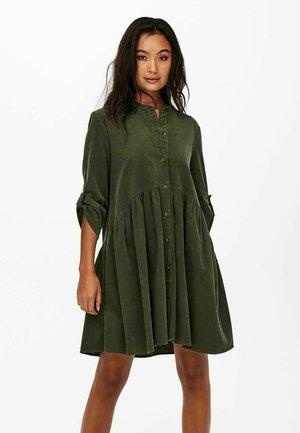 KORDSAMT - Shirt dress - rosin
