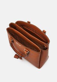 Calvin Klein - TOTE - Handbag - cognac - 2