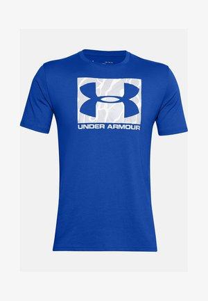 UA CAMO BOXED LOGO SS - T-shirt print - versa blue