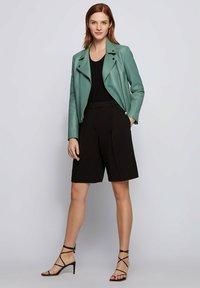 BOSS - Veste en cuir - light green - 1