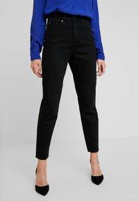 Selected Femme - MOM - Relaxed fit -farkut - black denim - 0