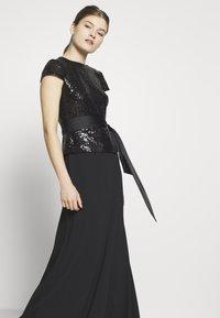 Lauren Ralph Lauren - LUXE TECH LONG GOWN COMBO - Robe de cocktail - black - 3