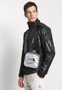 The North Face - EXPLORE BARDU - Across body bag - silver - 1
