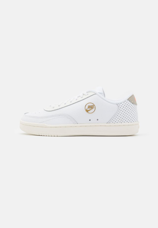 COURT VINTAGE  - Sneakers laag - white/sail/stone/atomic pink