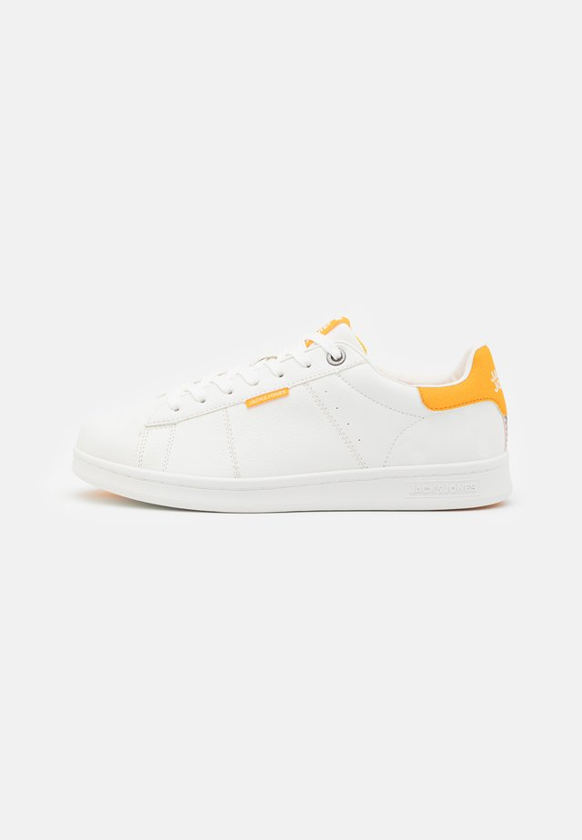 JFWBANNA - Trainers - white/saffron