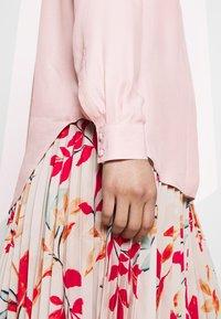 Selected Femme - ODETTE - Skjorte - sepia rose - 6