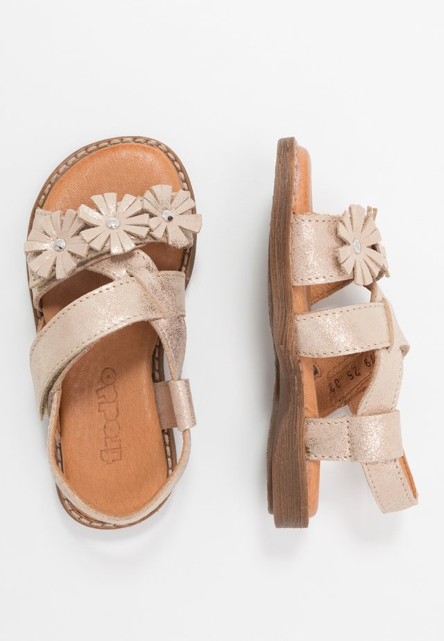 LORE MEDIUM FIT - Sandals - gold