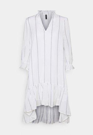 YASCASHEW 3/4 SHORT DRESS ICON - Day dress - bright white