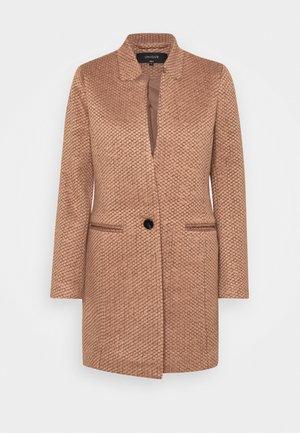 ONQREGINA AINE COATIGAN  - Krátký kabát - mocha mousse