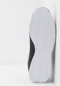 Nike Sportswear - CORTEZ BASIC - Trainers - black/white/metallic silver - 4