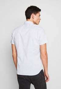 Marc O'Polo - BUTTON DOWN SHORT SLEEVE TURNED UP ONE POCKET FACING AT PLACKET - Shirt - multi/serenity - 2