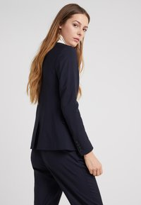 Filippa K - SASHA COOL - Blazer - dark navy - 2
