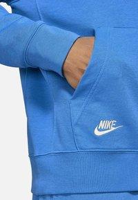 Nike Sportswear - Luvtröja - signal blue/signal blue - 3