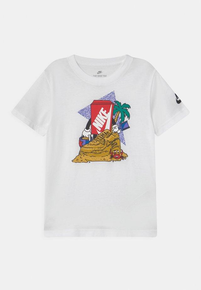 SAND CASTLE UNISEX - Print T-shirt - white