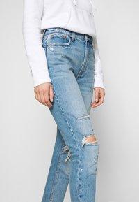 Abercrombie & Fitch - KNEE CURVE LOVE  - Jeans Skinny Fit - blue denim - 4