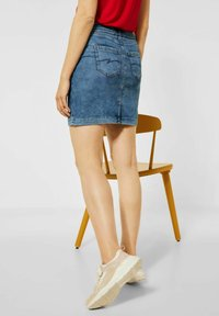 Street One - Pencil skirt - knitted indigo random bleach - 2