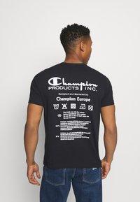 Champion Reverse Weave - CREWNECK LABELS - Print T-shirt - black - 2