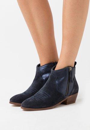NAYADE - Ankle boots - marine
