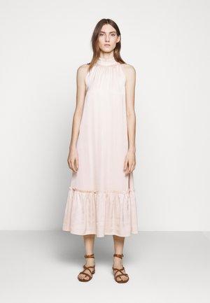 BAUME SASSY DRESS - Denní šaty - cream rose