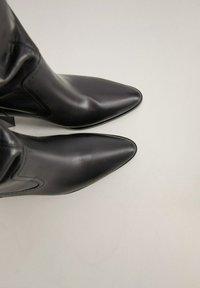 Mango - BOBY - Laarzen met hoge hak - schwarz - 4