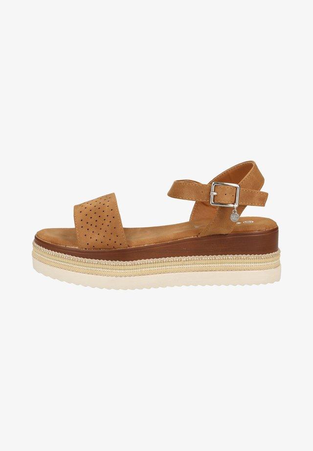 Sandales à plateforme - camel