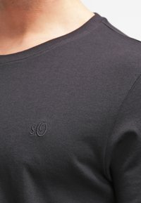 s.Oliver - 2 PACK - Basic T-shirt - black - 5
