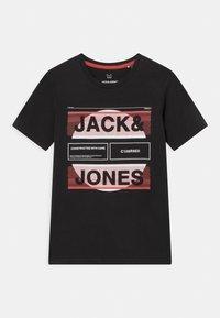 Jack & Jones Junior - JCOMYTH CREW NECK - T-shirt con stampa - black - 0