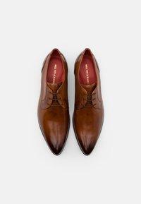 Melvin & Hamilton - TONI - Elegantní šněrovací boty - wood - 3