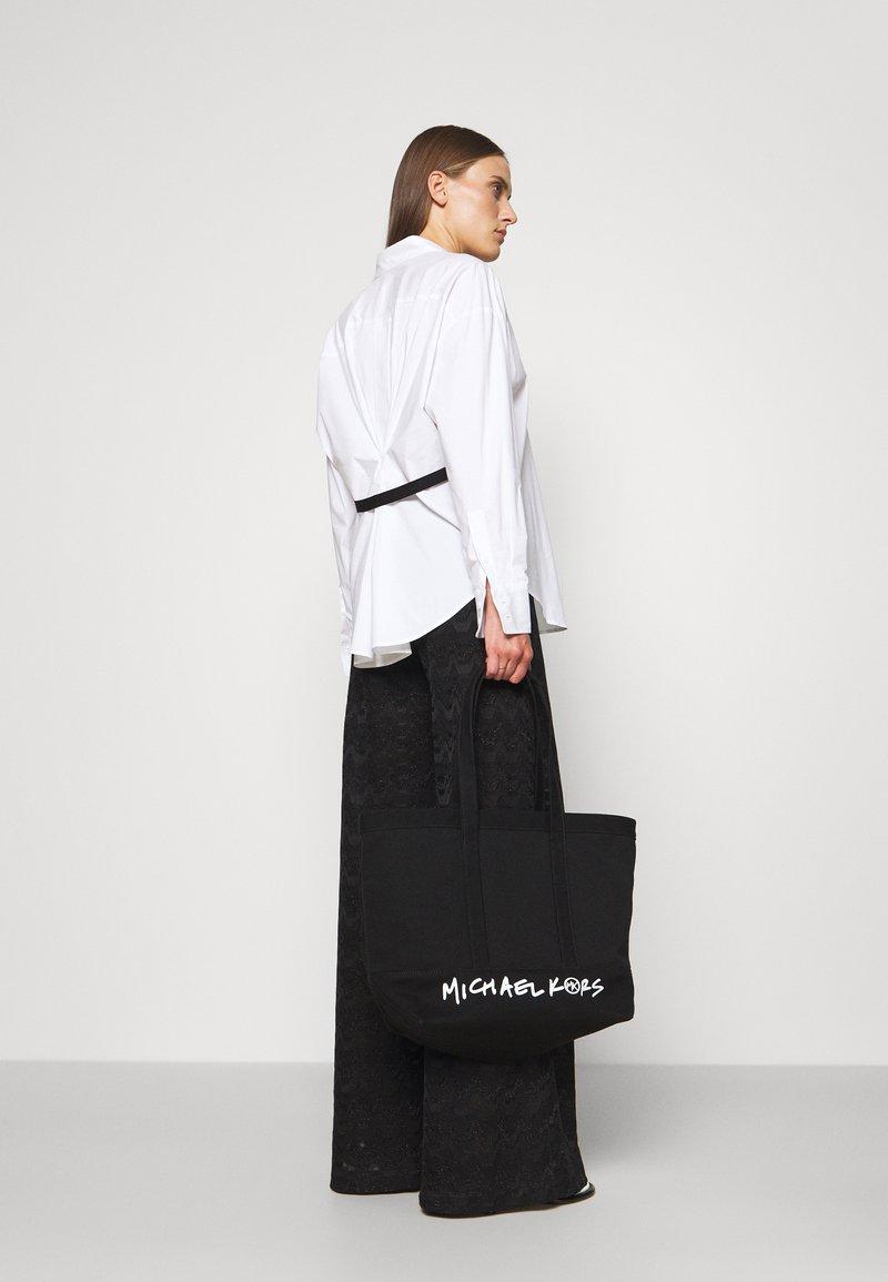 MICHAEL Michael Kors - BAG LARGE TOTE - Cabas - black