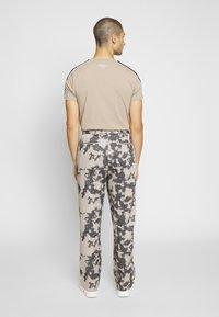 Jaded London - BLEACHED PINSTRIPE TROUSER - Trousers - grey - 2