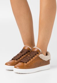 See by Chloé - Trainers - texan - 0