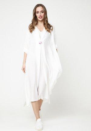GILBERTA - Shirt dress - weiß