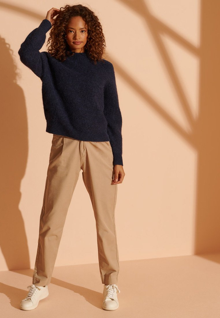 Femme PLEATED - Chino