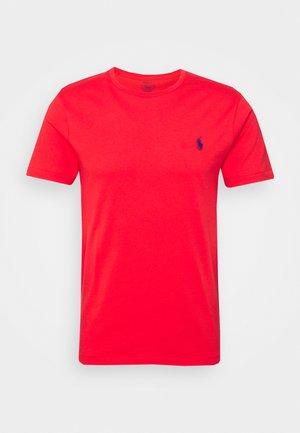 CUSTOM SLIM FIT CREWNECK - Camiseta básica - racing red