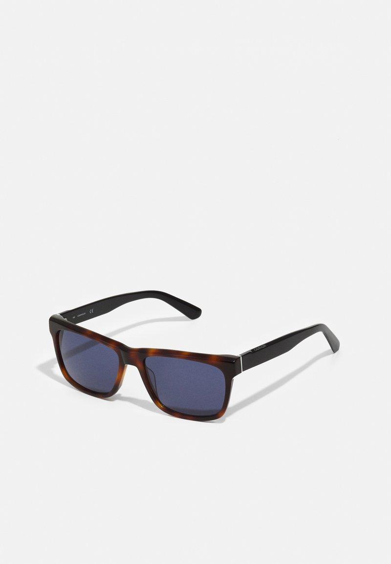 Calvin Klein - UNISEX - Sunglasses - brown havana
